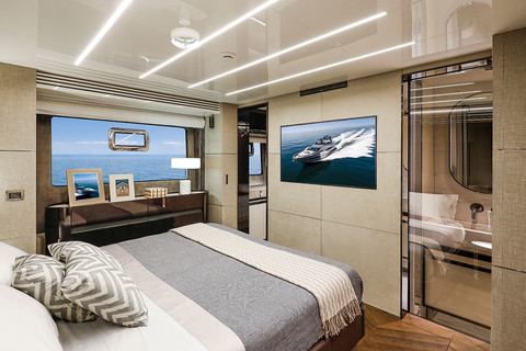 Cranchi Settantotto / Roma Decor / Owner cabin