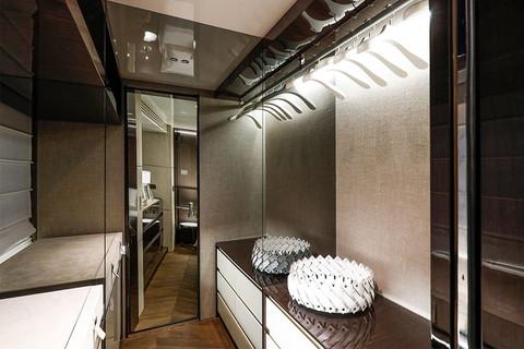 Cranchi Settantotto / Roma Decor / Owner cabin walk-in wardrobe