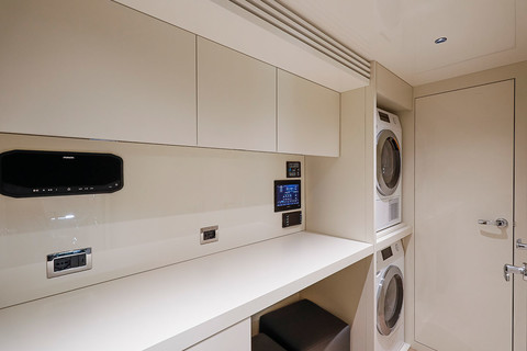 Cranchi Settantotto / Laundry