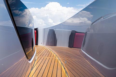 A46 Luxury Tender - Side decks