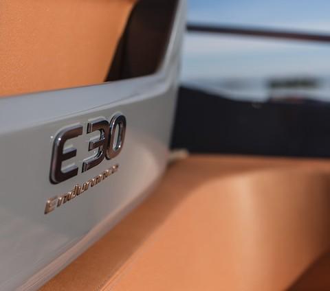 Cranchi E30 Endurance - Details