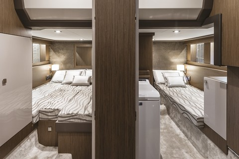 Cranchi T43 Trawler - Guest cabins