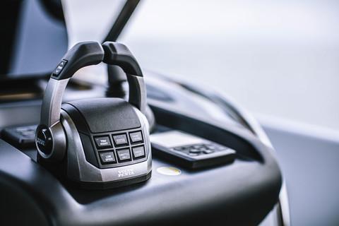 A46 Luxury Tender - IPS joystick