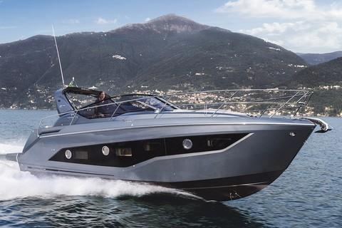 Cranchi Z35 - Side view