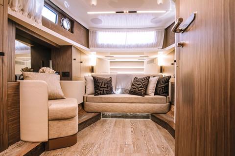 A46 Luxury Tender - Convertible dinette