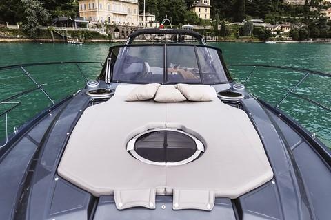 Cranchi Z35 - Bow sunpad