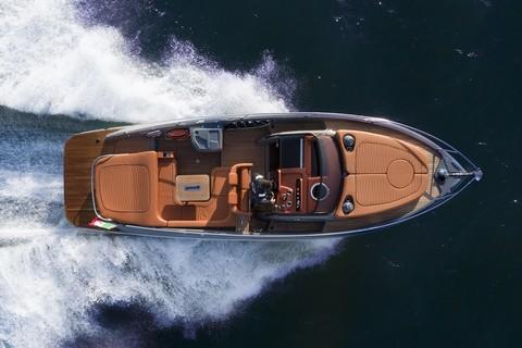 Cranchi E30 Endurance - Aerial view
