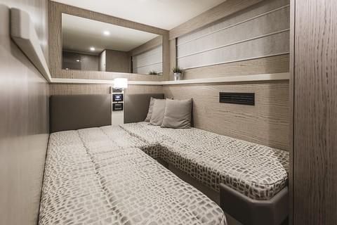 Cranchi E56F Evoluzione - Guest cabin