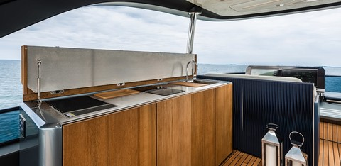 Cranchi Settantotto - Flybridge kitchen