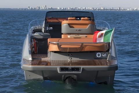 Cranchi E30 Endurance - Beach platform
