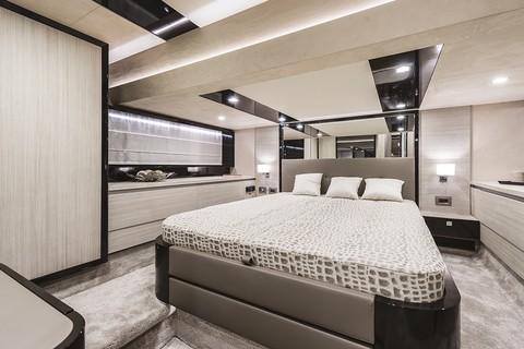 E52F Evoluzione - Master cabin